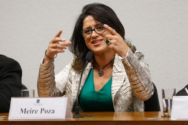 Durante depoimento, Meire Poza admite participação no esquema e emissão de notas frias