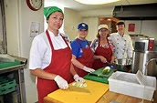 Volunteers help cancer patients by providing healthy, organic meals | TheNews | Nashville ...