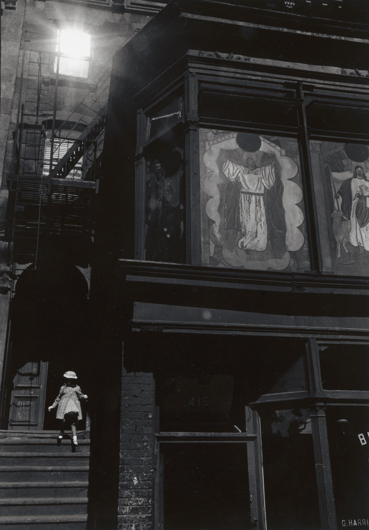 Herbert Randall, Untitled (Bed-Stuy, New York), 1960s. Gelatin silver print: sheet, 14 × 10 15/16 in. (35.56 × 27.78 cm). Virginia Museum of Fine Arts, Richmond; Arthur and Margaret Glasgow Endowment. © Herbert Randall