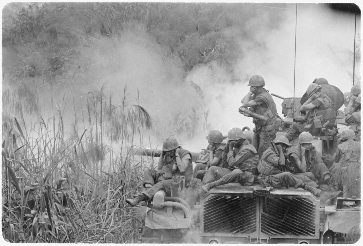 Marines in Vietnam.jpg
