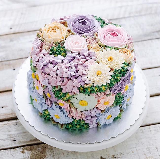 Là bánh kem hay là một rừng hoa?