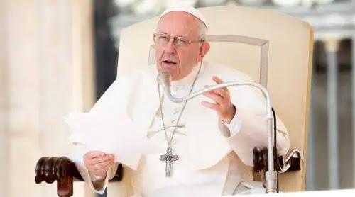 El Papa critica un mundo