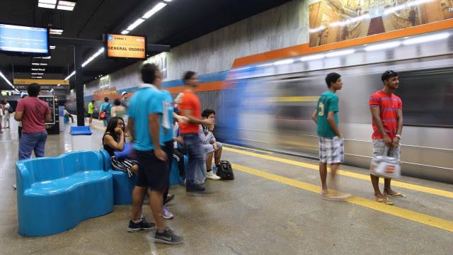 Metrô e CPTM começam a desativar bilheterias nesta sexta-feira (8)