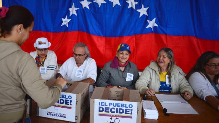 Venezuela : l'opposition mobilise plus de 7,1 millions d'électeurs lors d'une consultation anti-Maduro