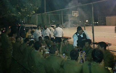 450 חיילים האכיל חסיד ירושלמי בלילה אחד (צילום: נתנאל בניזרי)