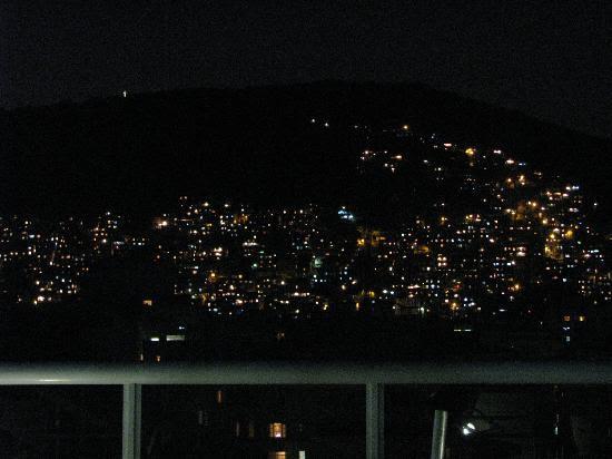 Atlantis Copacabana: Pavão Pavãozinho nocturna