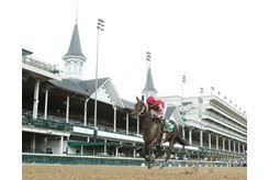 Midnight Bisou gallops to victory in the Fleur de Lis Stakes at Churchill Downs