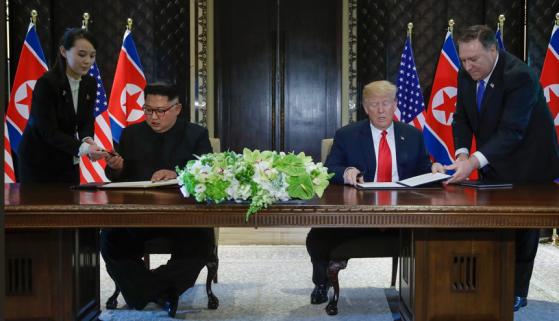 Kim-Trump-signing