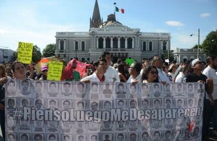 Estudiantes de la UdeG se unen a paro por caso Ayotzinapa. Foto: Rafael del Río