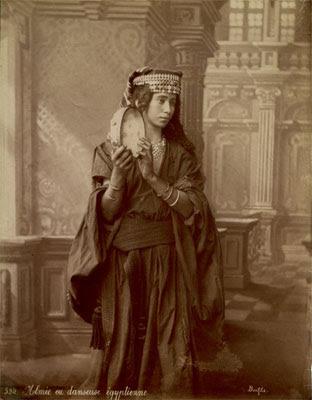 Almee imagem do fotógrafo francês Felix Bonfils 1870