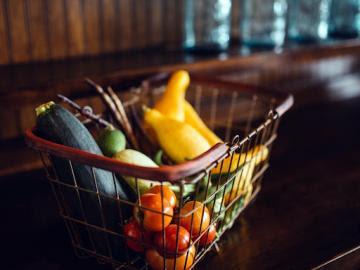 Consumo de alimentos en hogares españoles se contrae en el último año