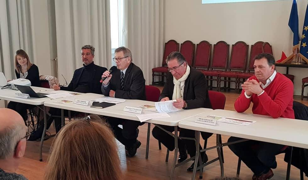 Gilles Mortier, pour Touraine Ouest Emploi, a présenté le projet qui réunit les territoires des trois communautés de communes de ce qui était le pays du Chinonais.