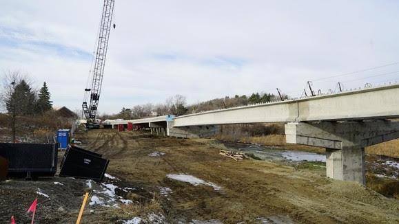 Nine Mile Creek LRT bridge: the piers and deck have taken shape.