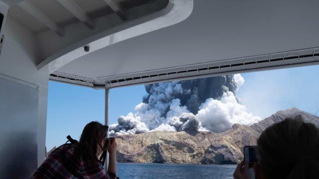 Vulcão Nova Zelândia: família de quatro pessoas entre os desaparecidos