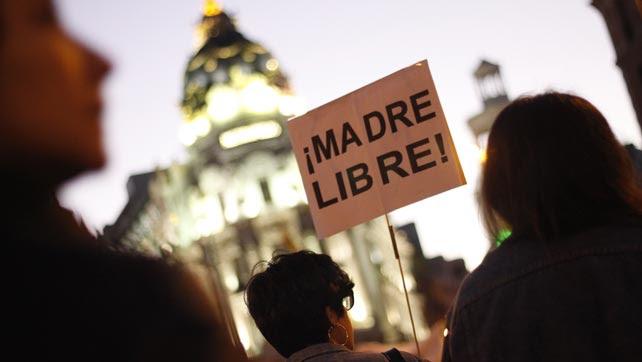 Un cartel durante la manifestación del Día de la Mujer Trabajadora en Madrid este 8 de marzo.