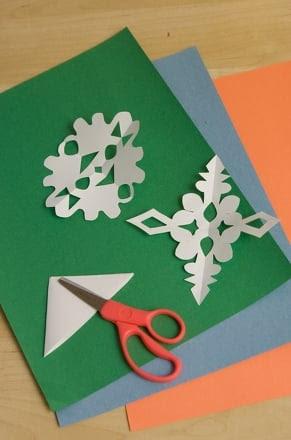 Preschool Holidays & Seasons Activities: Make Snowflake Counting Cards