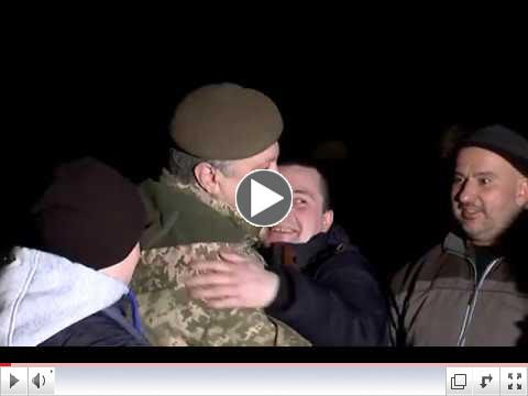 Ukraine's President meets Ukrainians liberated from Russian captivity, December 27. To view video please click on image above