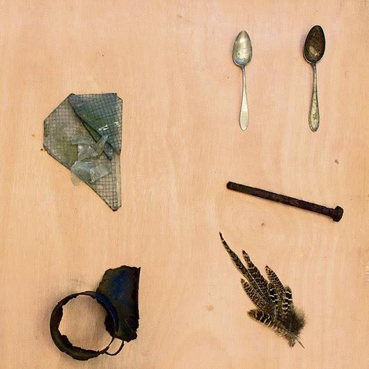 בילד: איבערלעבער'ס אייניקל רויבט אוישוויץ חפצים