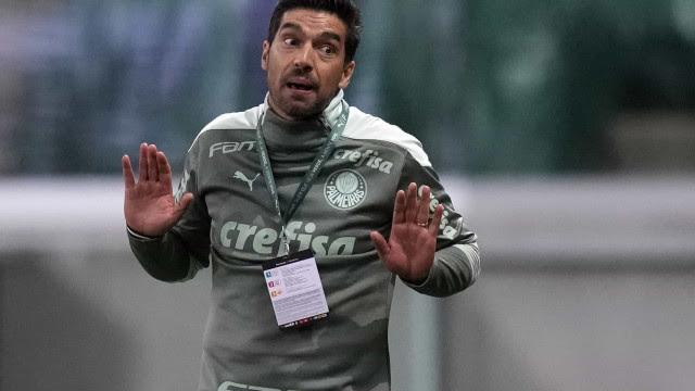 Abel aponta 'mau jogo e falta de compromisso coletivo defensivo' do Palmeiras