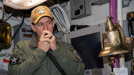 Da positivo para coronavirus el excapitán del portaviones estadounidense que alertó sobre un brote en su nave
