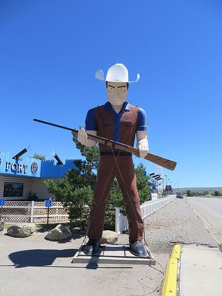File:Casino Dude Muffler Man (Rockvale, Montana) 001.jpg