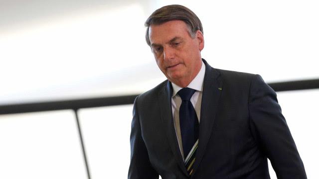 Com receio, Bolsonaro silencia sobre morte de miliciano