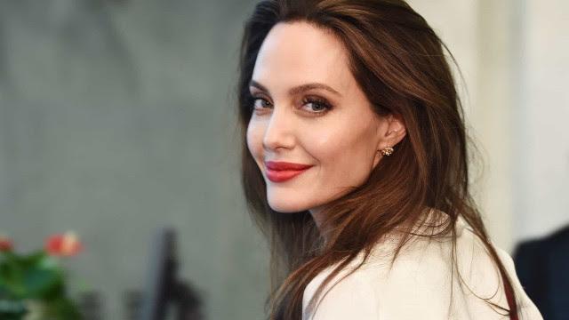 Depois de 'Malévola', Angelina Jolie quer participar de Star Wars