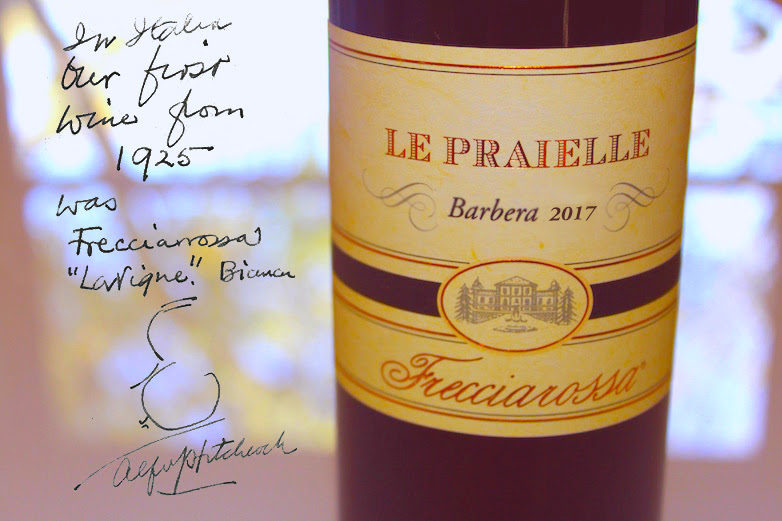A bottle of Le Praielle Barbera dell'Oltrepo Pavese DOC 2017 by Frecciarossa with a tribute signed by Alfred Hitchcock