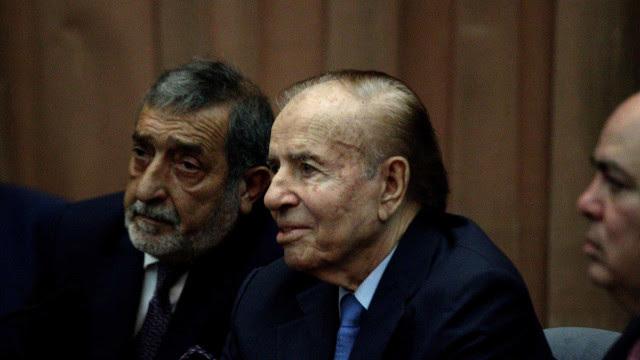 Ex-presidente argentino Menem em coma induzido após insuficiência renal