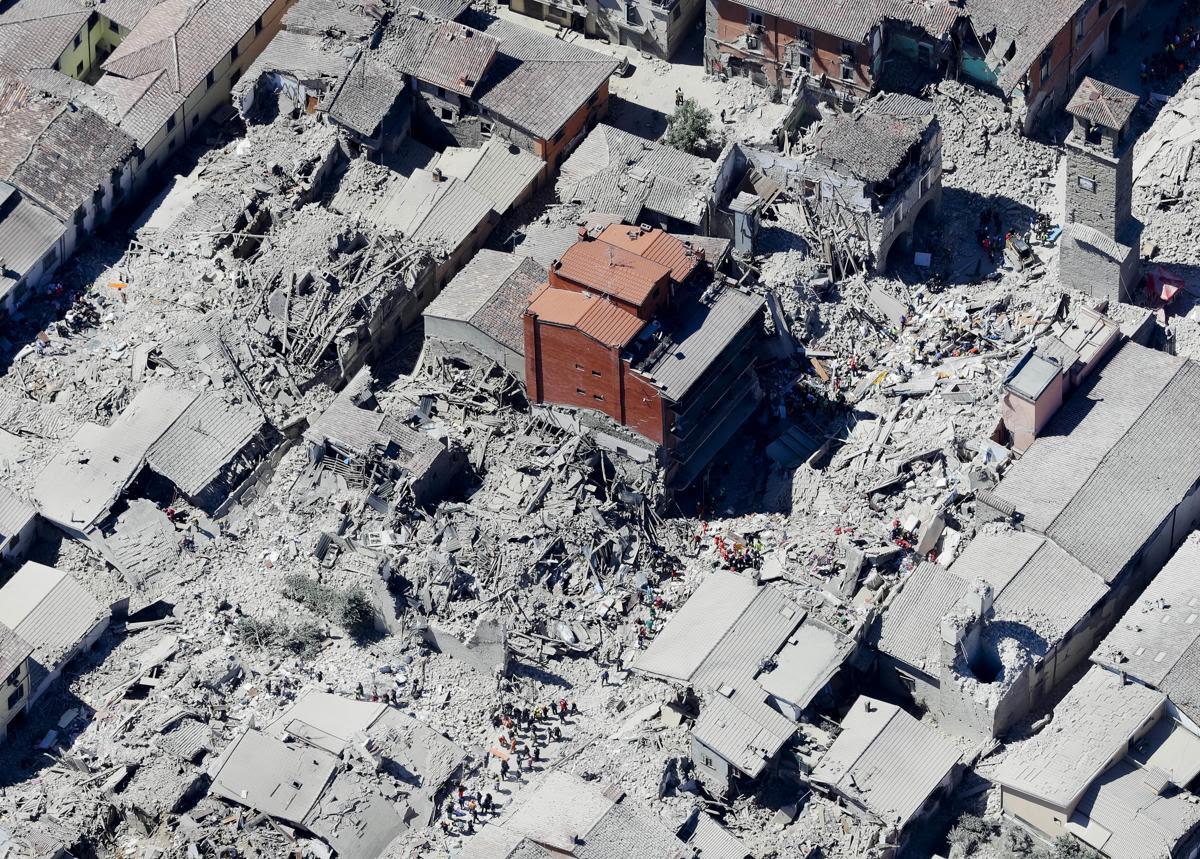 40c7e89cc7604bdc8ec3ec76e529d2c1 40c7e89cc7604bdc8ec3ec76e529d2c1 0 - A 6.2 earthquake rattles Italy