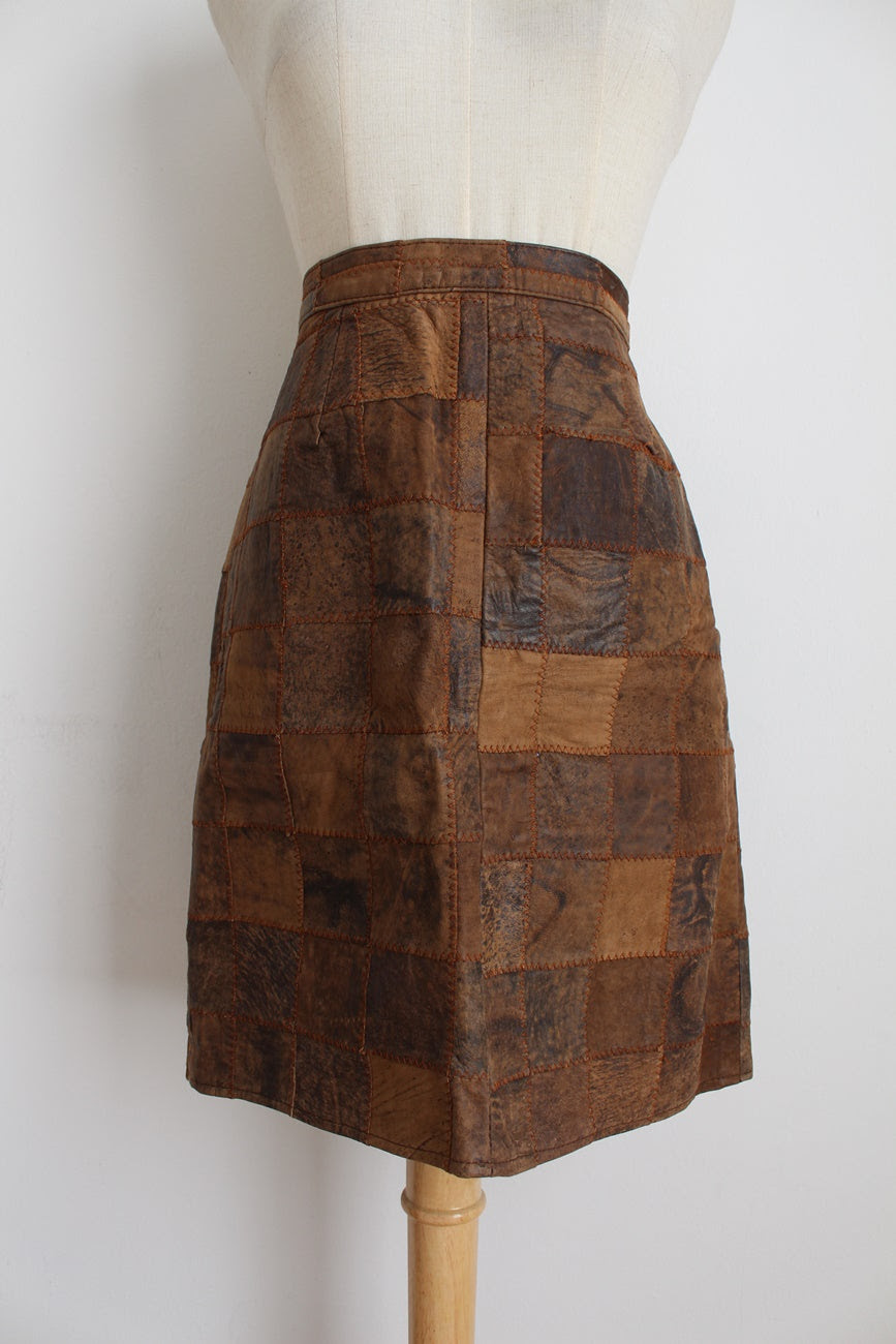 GENUINE LEATHER VINTAGE PATCH SKIRT - SIZE 8