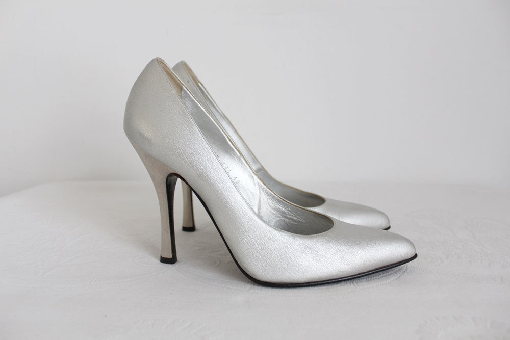 CASADEI GENUINE LEATHER SILVER HEELS - SIZE 7