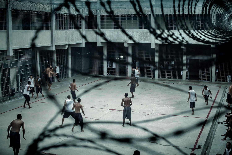 Pátio da penitenciária de Ribeirão de Neves, MG. Foto: Peu Robles