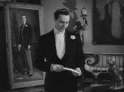 Después de que el pintor Basil Hallward lo retrató en un lienzo, Dorian Gray desea ser joven eternamente.