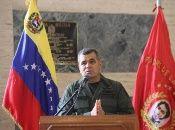 Vladimir Padrino López informó que han reforzado las tropas en el estado Amazonas para combatir a los grupos paramilitares colombianos.
