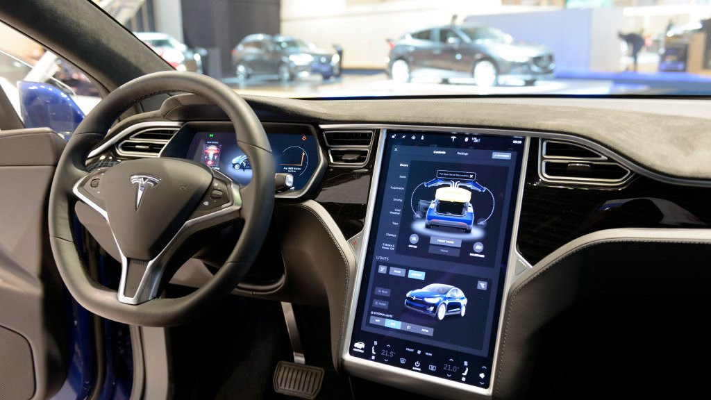 Elon Musk: Tesla raises cost of 'self-driving' cars