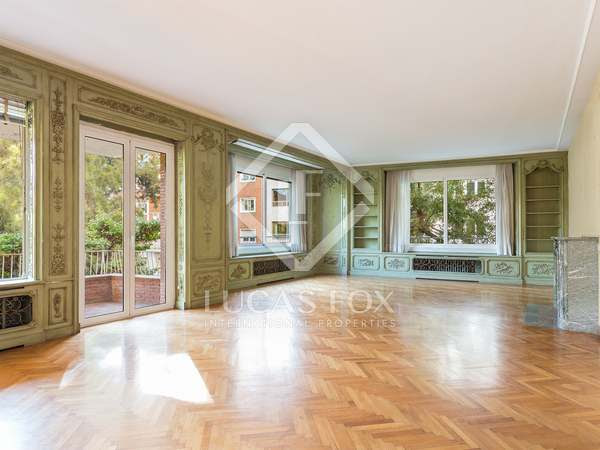 430 m² apartment with 17 m² terrace for sale in Turó Park