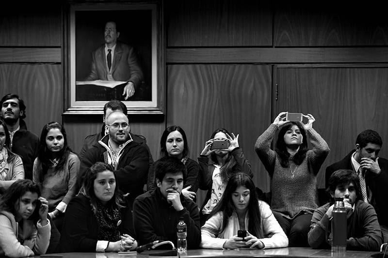 Jóvenes del Partido Nacional ayer en el Edificio Artigas del anexo del Palacio Legislativo. / Foto: Nicolás Celaya