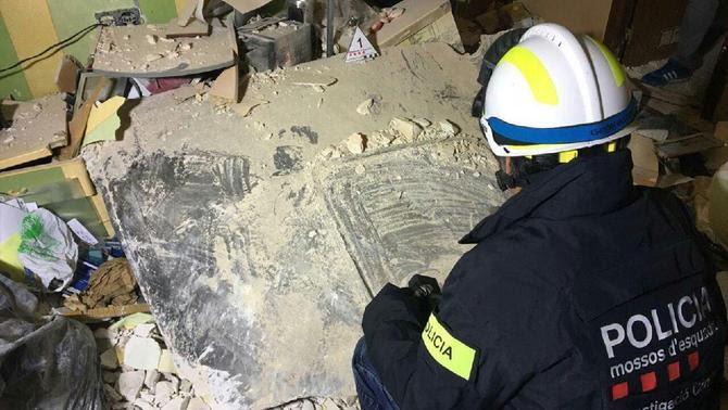 L'explosió a Tarragona projecta una planxa d'una tona 2 km i provoca un mort