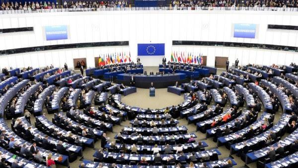 Επιστολή σε Ντάισελμπλουμ από ευρωβουλευτές για το ελληνικό χρέος