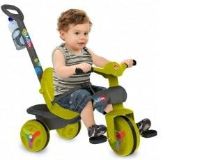 Triciclos a pedal com desconto de 12%