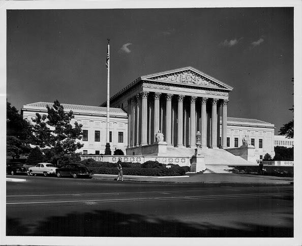 Hệ thống pháp luật chính trị dân chủ hiện hành của Hoa Kỳ không thể giải quyết vấn đề gian lận bầu cử
