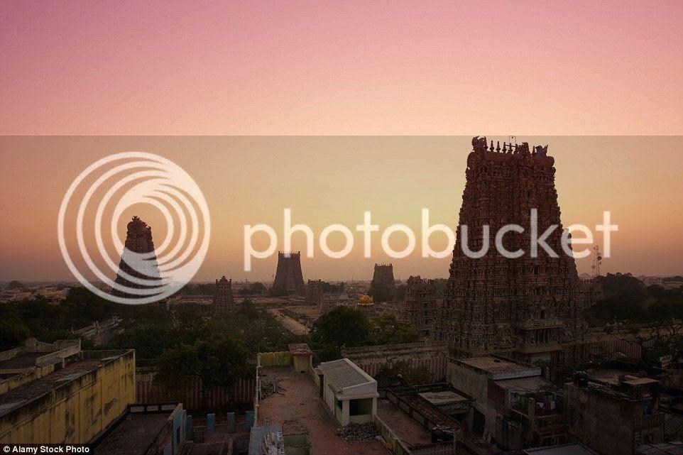 Trong 200 năm trị vì của triều đại Nayakka từ thế kỷ 13 – 16, nhiều tháp và các công trình được xây dựng ở quần thể đền.