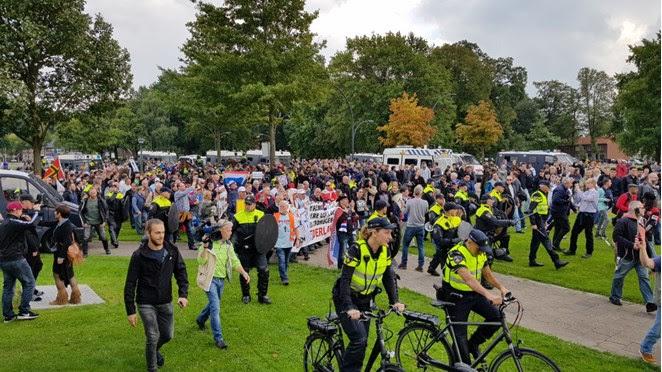 Liveblog: Pegida en Antifascistische Aktie demonstreren in Enschede (afgelopen)