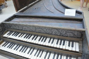 musical instrument,piano,keyboard,technology,player piano