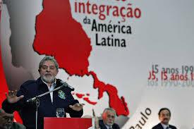 Resultado de imagem para lula dando palestras na america latina