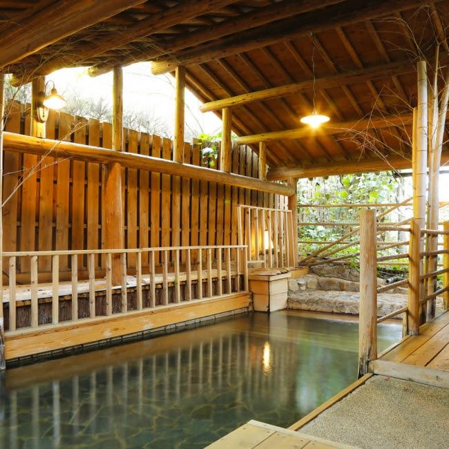 3位 「火の谷温泉 美杉リゾート」 貸切露天風呂「紫陽花の湯」