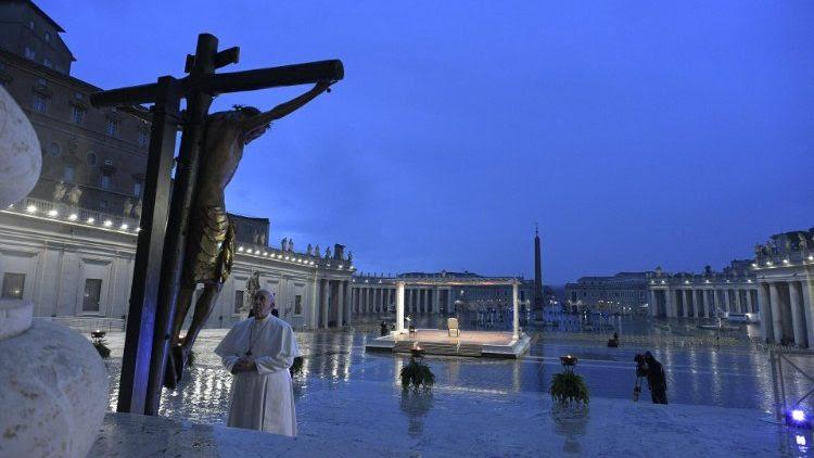 2020.03.27 Preghiera in Piazza San Pietro con Benedizione Urbi et Orbi