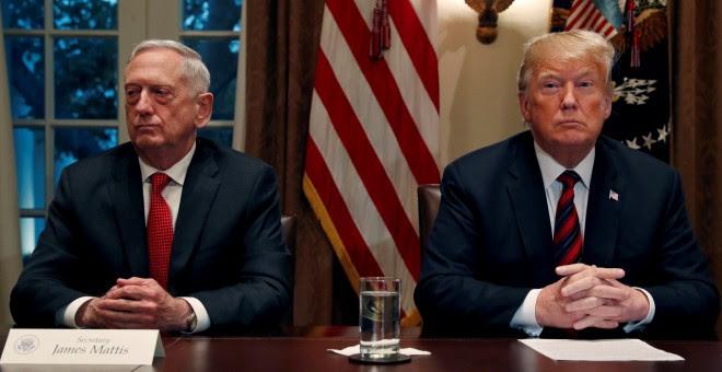 El secretario de Estado estadounidense, James Mattis, junto al presidente de EEUU, Donald Trump -  REUTERS/Leah Millis