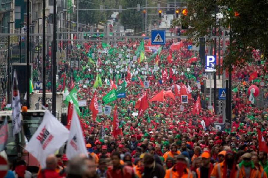 Más de 80.000 personas se manifiestan en Bruselas contra el Gobierno belga